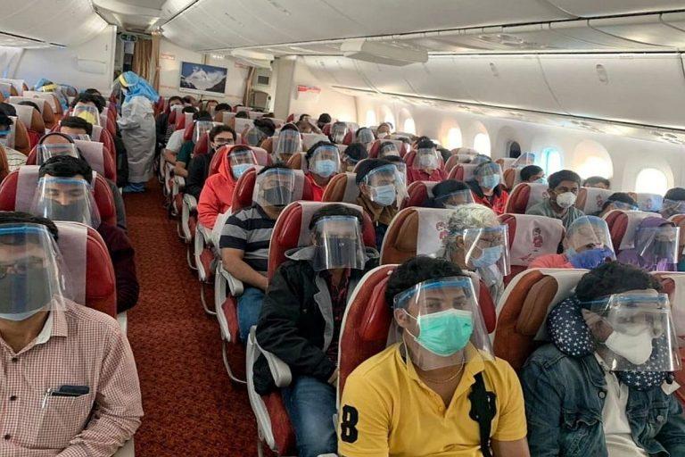 नई गाइडलाइनः फ्लाइट में मास्क नहीं पहना तो नाम आ जाएगा NO FLY लिस्ट में