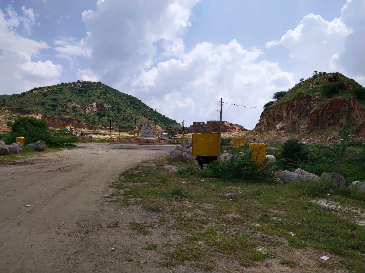 अजमेर में पहाड़ी ध्वस्त कर तैयार किया जा रहा रिसोर्ट