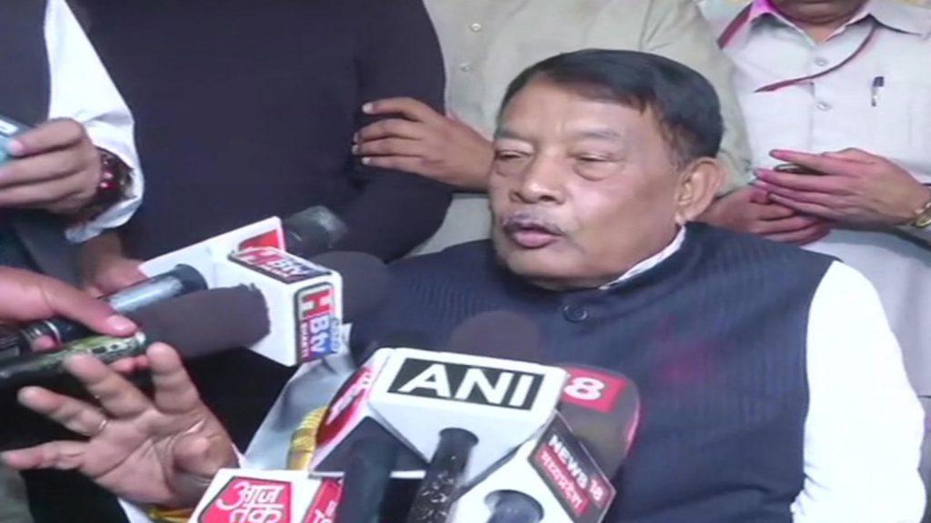 मध्यप्रदेश उपचुनाव: मंत्री ने लांघी अशिष्टता की सीमा, कांग्रेस प्रत्याशी की पत्नी को कहा रखैल