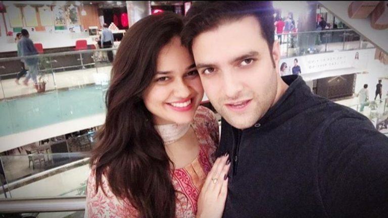 आईएएस टॉपर टीना डाबी ने पति अतहर आमिर से तलाक के लिए दी अर्जी