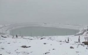उत्तराखंड के औली में ताजा बर्फबारी के बाद का विहंगम दृश्य