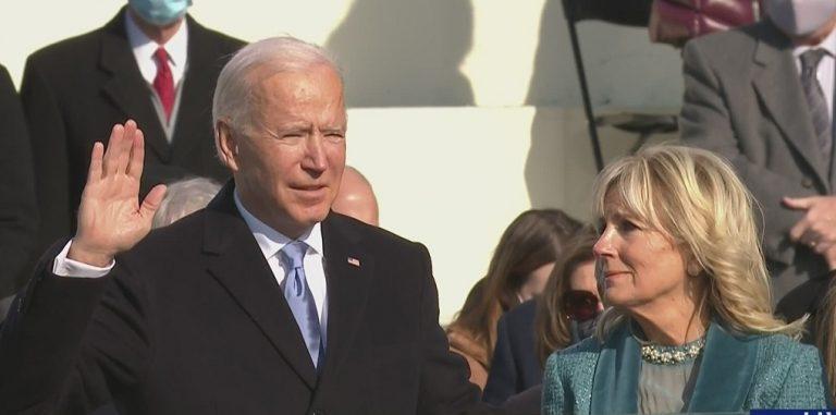 अमेरिका के 46वें राष्ट्रपति बने जो बाइडेन, बोले- आज हम लोकतंत्र की जीत का मना रहे हैं जश्न