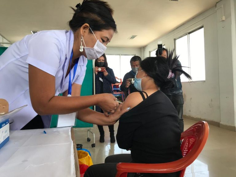 वैक्सीनेशन शुरू, पहले दिन लक्ष्य से पीछे टीकाकरण, 1.65 लाख लोगोंं को ही लग पाई वैक्सीन