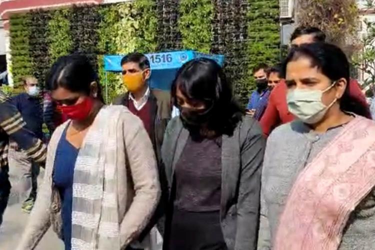 पुलिस का दावा दिशा रवि ने तैयार किया था टूलकिट, कोर्ट ने 5 दिन की पुलिस हिरासत में भेजा