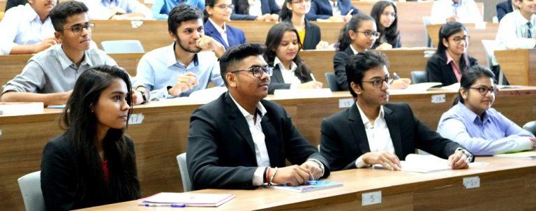 12वीं के बाद IIM से सीधे करें MBA, 5 वर्षीय कोर्स के लिए जारी की गई अधिसूचना